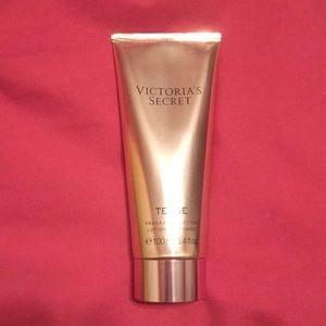 Victoria's Secret Tease Fragrance Lotion